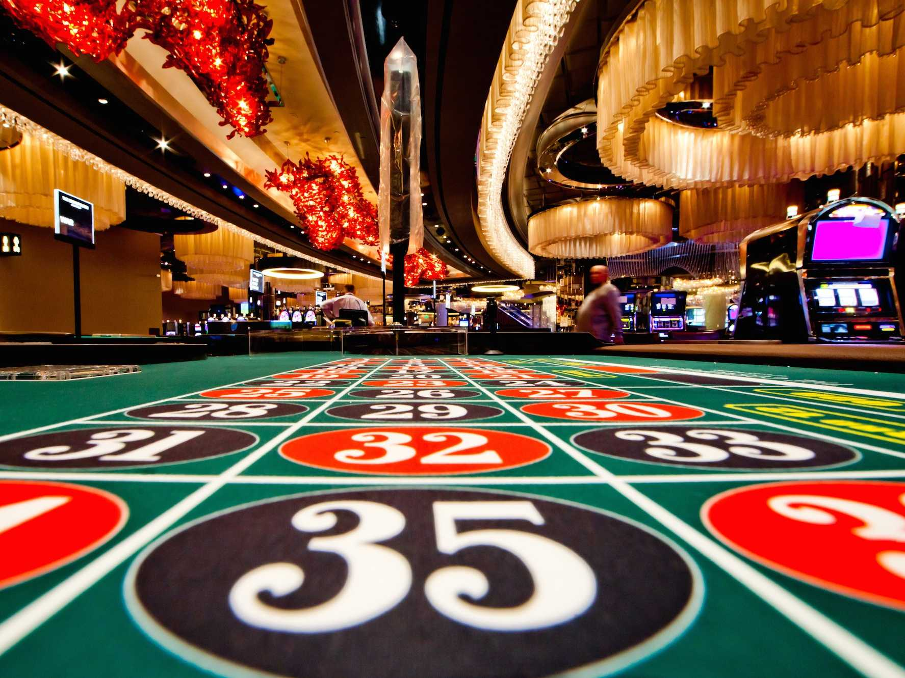 How much do casinos make?